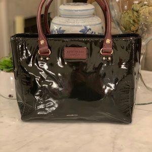 KATE SPADE ♠️ BLACK PATENT LEATHER TOTE